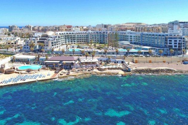 Qawra - Hotel Dolmen Resort.jpg